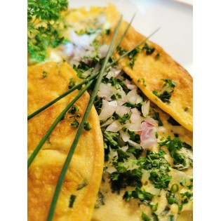 Omelette aux fines herbes.