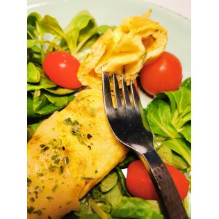 Omelette fromage.